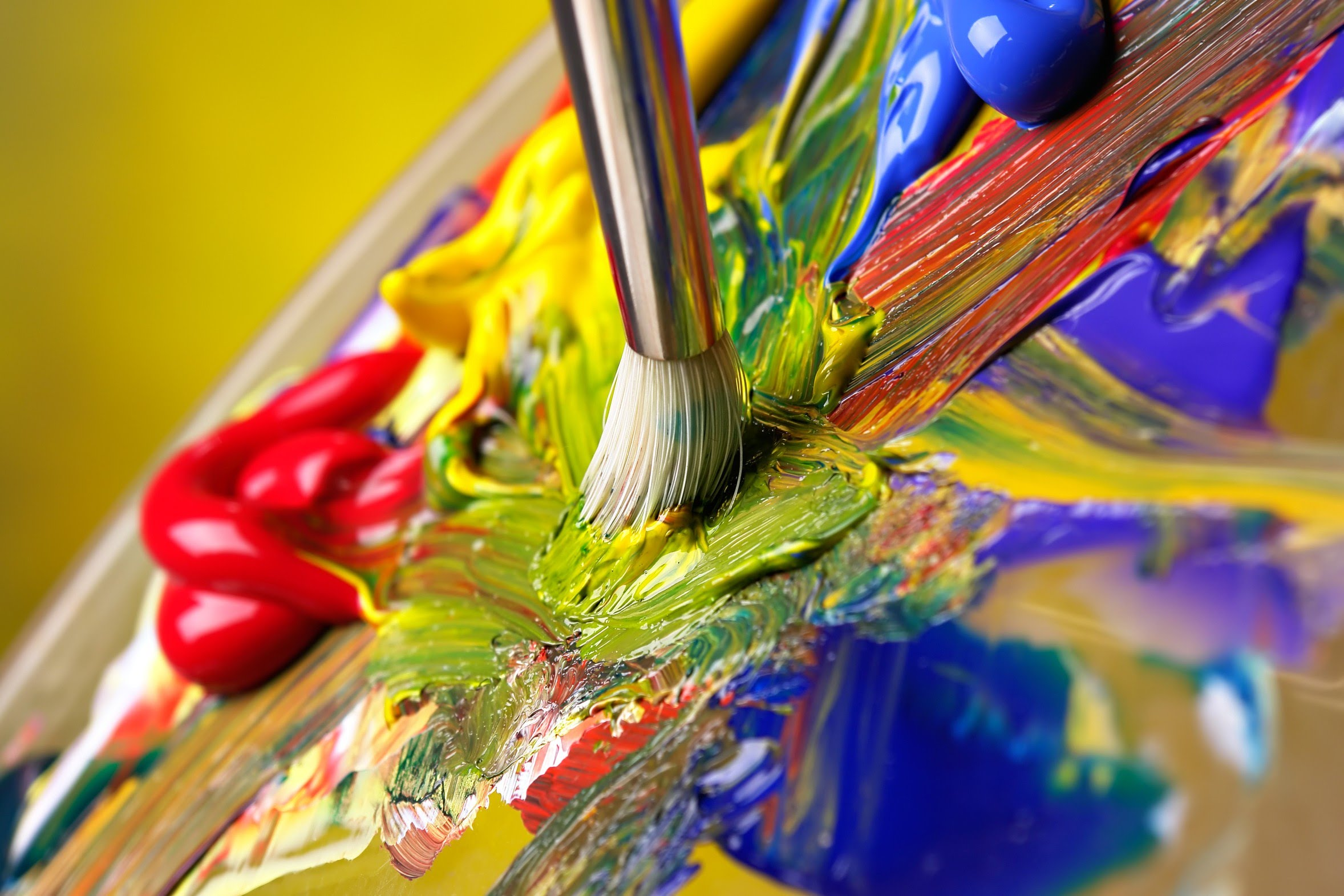 What should you know about oil painting for Artist canvas paint color